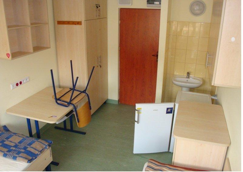 Студенческий быт: общежитие ДНУ VS хостел в Польше (фото) - фото 19