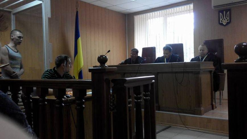 Мама одесского сепаратиста на суде твердила, что ее мальчик ни в чем не виноват (ФОТО) (фото) - фото 1