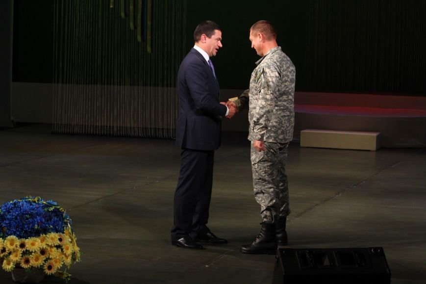Запорожские военные получили награды от Президента (ФОТО) (фото) - фото 1