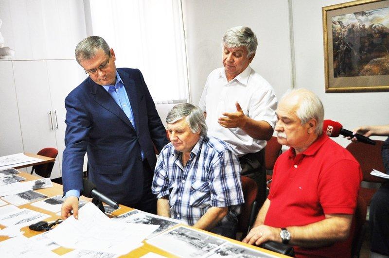 Автор самого лучшего проекта реконструкции Привокзальной площади в Днепропетровске получит 100 тысяч гривен, фото-1