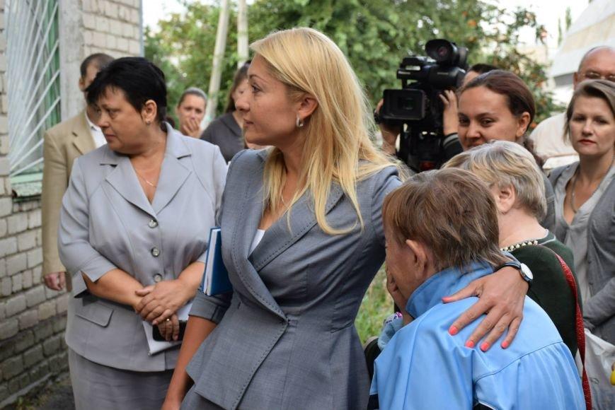 Вынужденным переселенцам, живущим в Николаеве, передали гуманитарную помощь (фото) - фото 10