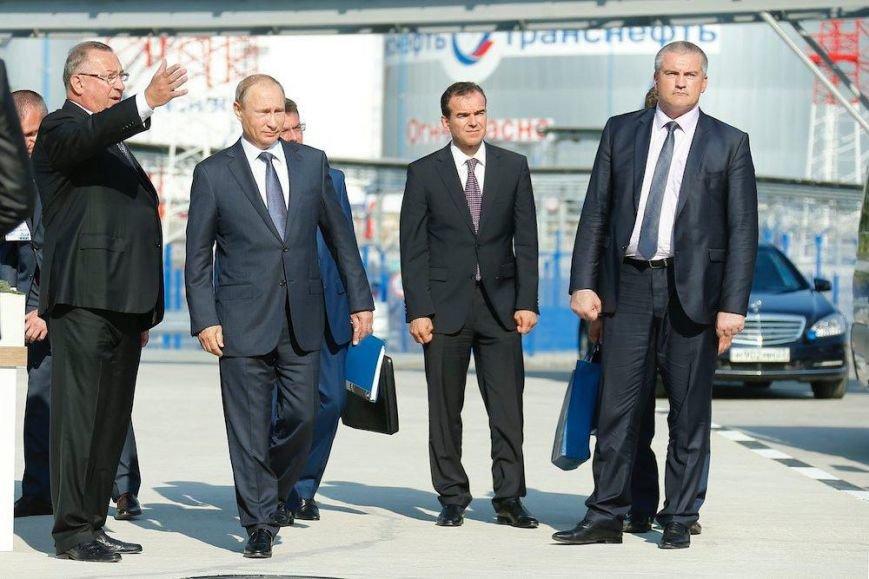 Путин потребовал повысить качество обслуживания на Керченской паромной переправе (ФОТО) (фото) - фото 2