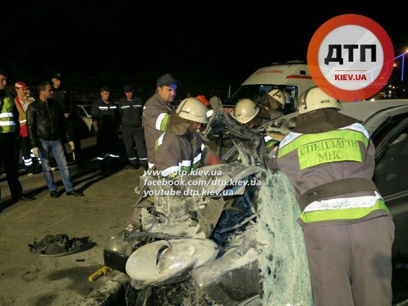 В ДТП на Набережном шоссе погибло два человека (ФОТО) (фото) - фото 3