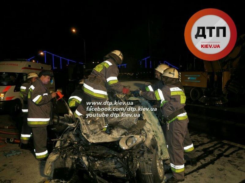 В ДТП на Набережном шоссе погибло два человека (ФОТО) (фото) - фото 1