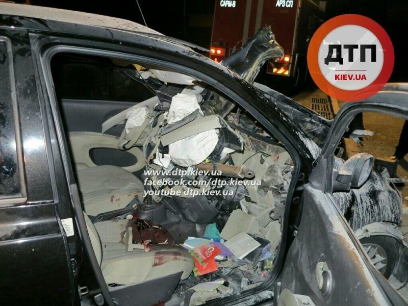 В ДТП на Набережном шоссе погибло два человека (ФОТО) (фото) - фото 4