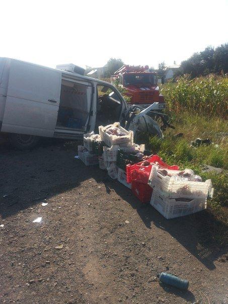 На Прикарпатті зіткнулися два «Фольксвагени». Водії обох автівок загинули на місці (ФОТО) (фото) - фото 4