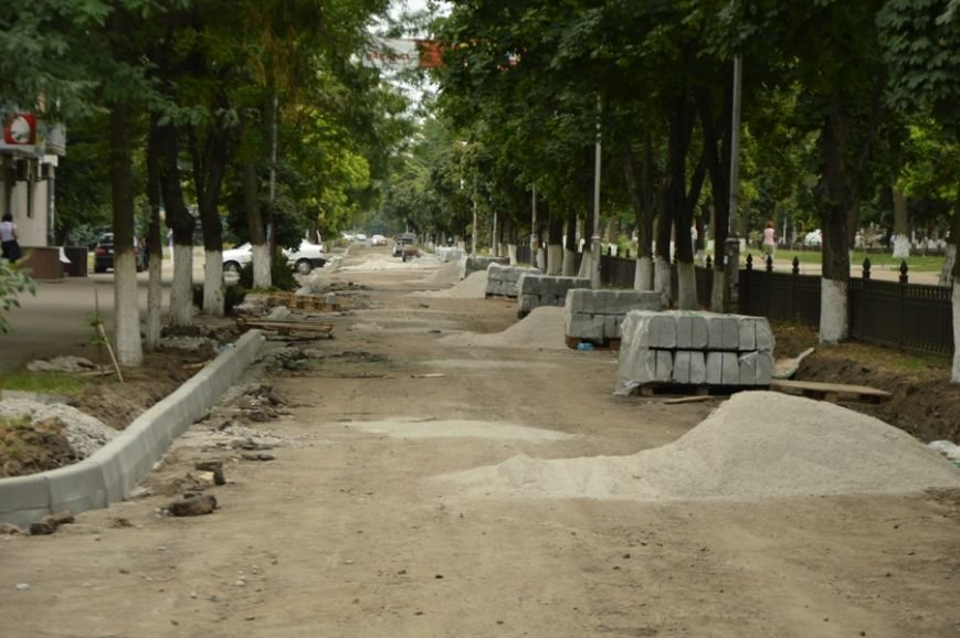 В Никополе продолжается ремонт дорог (фото) - фото 1