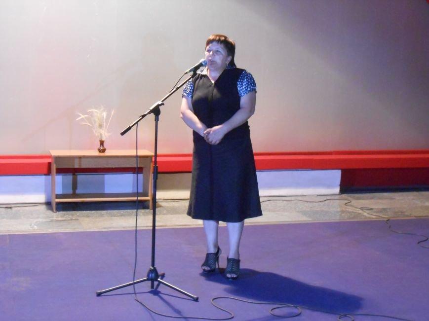 В музее истории Днепродзержинска открылась выставка, посвященная Дню Независимости Украины (фото) - фото 5