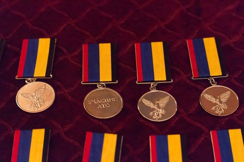 Медали для героев: в Днепропетровске воины АТО получили награды ко Дню независимости (ФОТО), фото-3