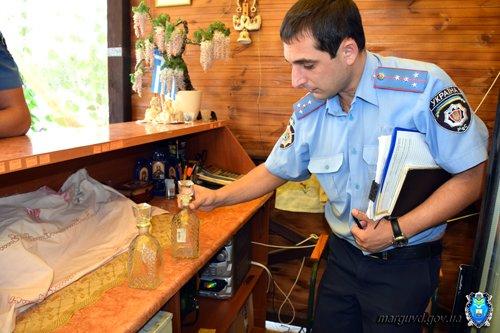 В Сартане милиционеры изъяли из продажи без документов спиртное и усилили охрану порядка (ФОТОРЕПОРТАЖ + ВИДЕО), фото-2