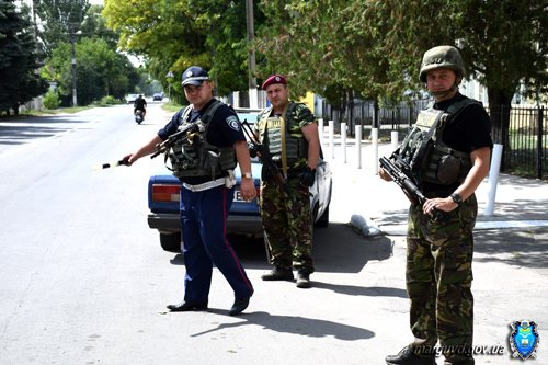 В Сартане милиционеры изъяли из продажи без документов спиртное и усилили охрану порядка (ФОТОРЕПОРТАЖ + ВИДЕО), фото-12