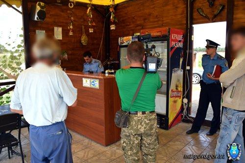 В Сартане милиционеры изъяли из продажи без документов спиртное и усилили охрану порядка (ФОТОРЕПОРТАЖ + ВИДЕО), фото-4