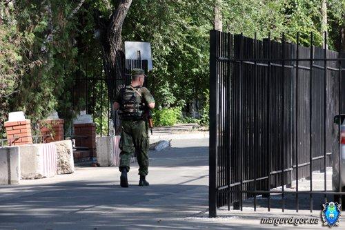 В  Жовтневом райотделе милиции установили прочное ограждение  (ФОТО), фото-3