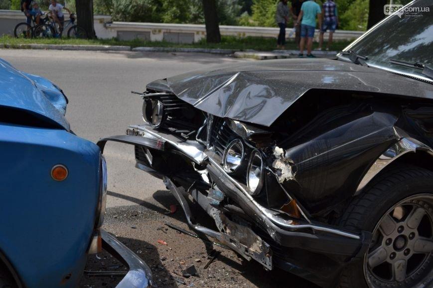 ДТП в Днепродзержинске: «BMW» и «Жигули» столкнулись влобовую, фото-3