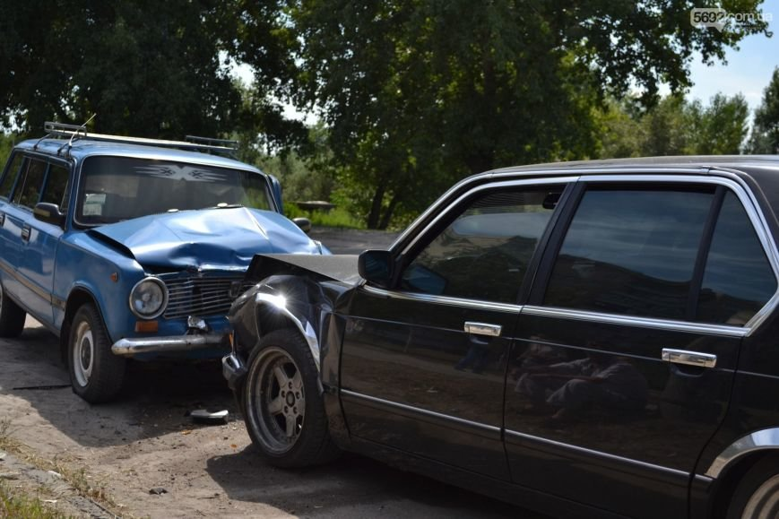 ДТП в Днепродзержинске: «BMW» и «Жигули» столкнулись влобовую, фото-2