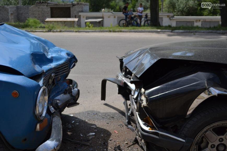 ДТП в Днепродзержинске: «BMW» и «Жигули» столкнулись влобовую, фото-4