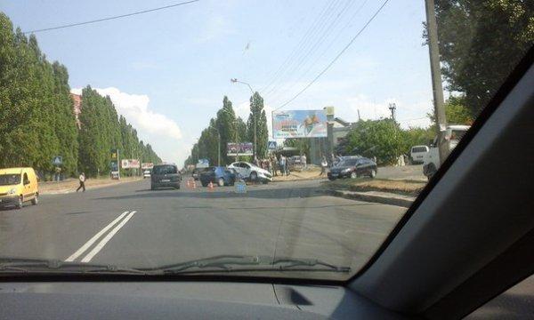 У Рівному на Шухевича - ДТП (фото) - фото 1