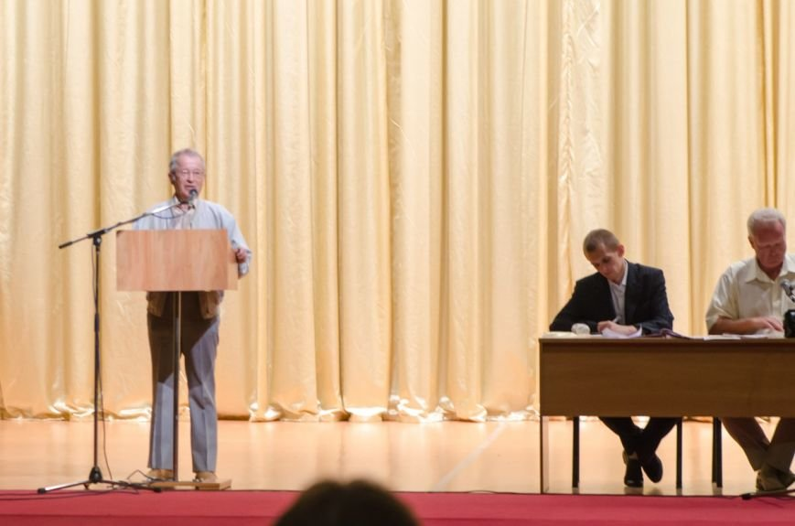 Днепродзержинская общественность обсудила переименование города (фото) - фото 15