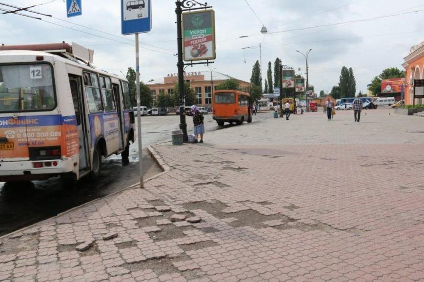 На черниговских остановках появляются новые «ожидалки». Но есть и проблемные места, фото-3