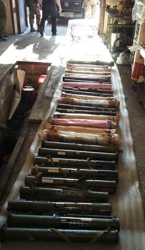 В Новогродовке депутат горсовета хранил дома 65 гранатометов (фото) - фото 1