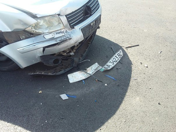На участке дороги КРЭСовской дамбы в Кривом Роге произошла авария (ФОТО) (фото) - фото 1