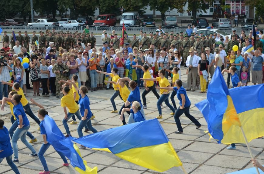 В Мариуполе празднуют День государственного флага (ФОТОРЕПОРТАЖ+ВИДЕО), фото-26