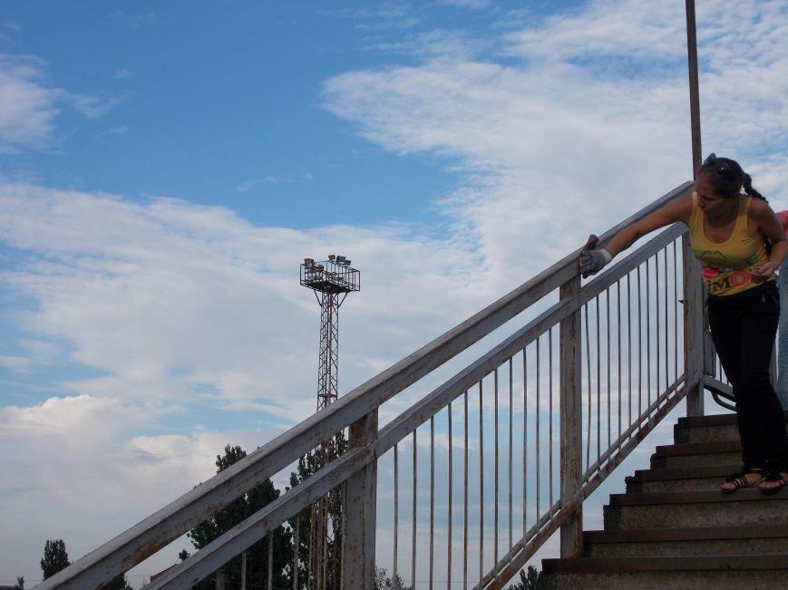 Бердянские активисты сделали еще один мост патриотическим (фото) - фото 2