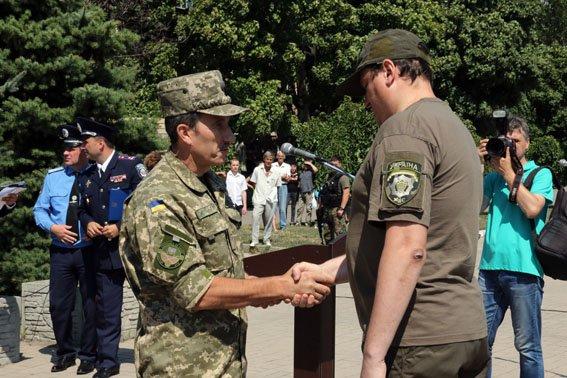 В Мариуполе ко Дню флага наградили милиционеров (ФОТО), фото-3