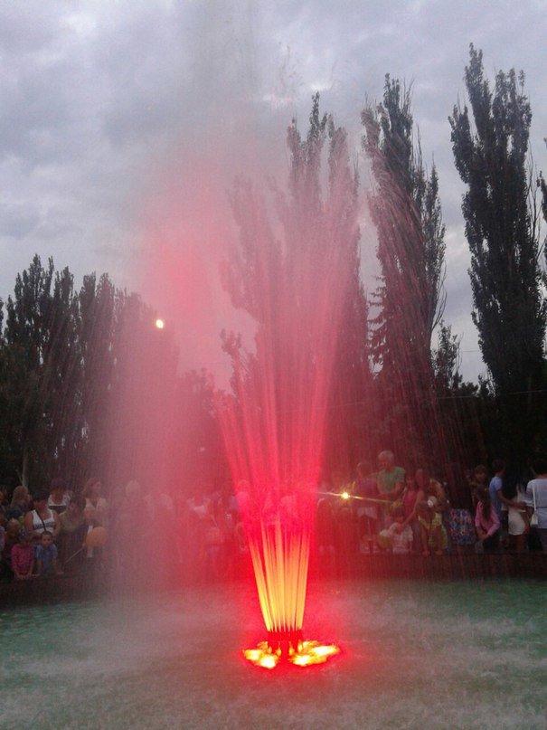 В Очакове на месте «вождя пролетариата» засверкал фонтан (ФОТО, ВИДЕО) (фото) - фото 1