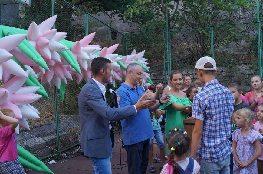 На улице Халтурина произошёл «Яблочный бум» (фото) - фото 6