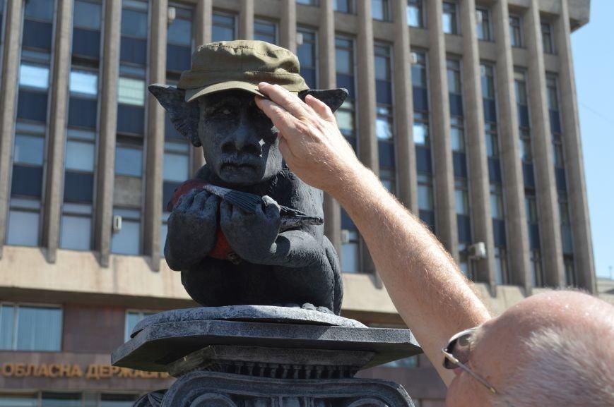 В Запорожье установили памятник русскому миру, скорбящему над снегирем (ФОТО), фото-4