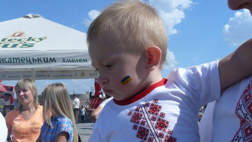 На День Независимости днепропетровцы строили вигвамы и танцевали (ФОТО) (фото) - фото 7