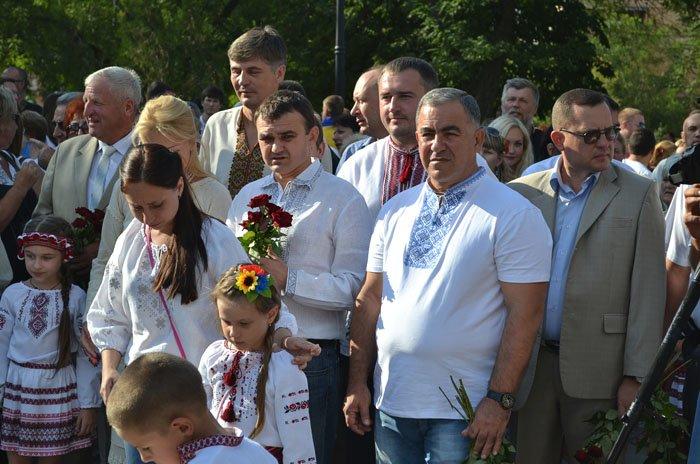 Николаевцы отметили День Независимости в вышиванках и с флагами (ФОТОРЕПОРТАЖ), фото-1