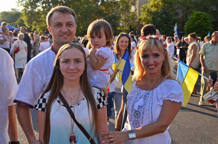 Николаевцы отметили День Независимости в вышиванках и с флагами (ФОТОРЕПОРТАЖ), фото-12