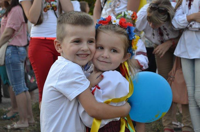 Николаевцы отметили День Независимости в вышиванках и с флагами (ФОТОРЕПОРТАЖ), фото-24