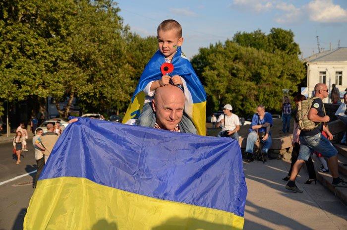 Николаевцы отметили День Независимости в вышиванках и с флагами (ФОТОРЕПОРТАЖ), фото-11