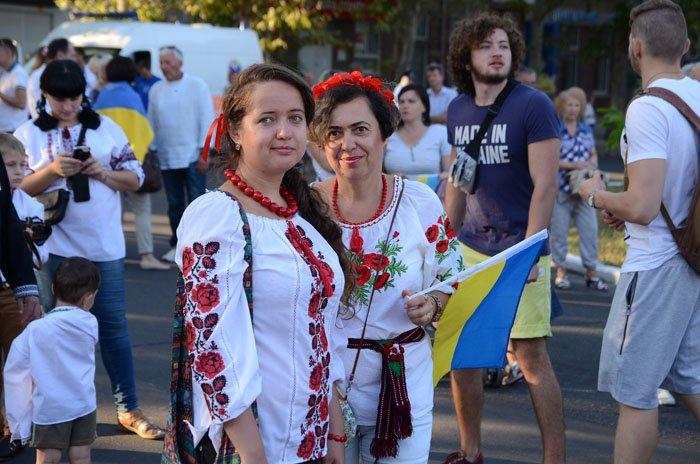 Николаевцы отметили День Независимости в вышиванках и с флагами (ФОТОРЕПОРТАЖ), фото-16