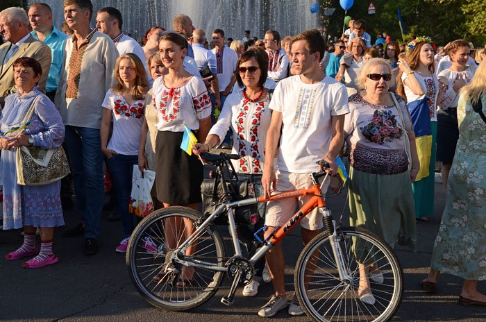 Николаевцы отметили День Независимости в вышиванках и с флагами (ФОТОРЕПОРТАЖ), фото-10