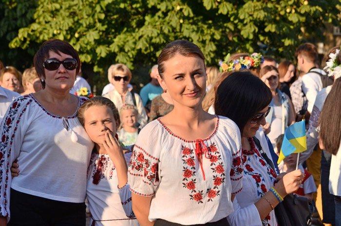 Николаевцы отметили День Независимости в вышиванках и с флагами (ФОТОРЕПОРТАЖ), фото-9