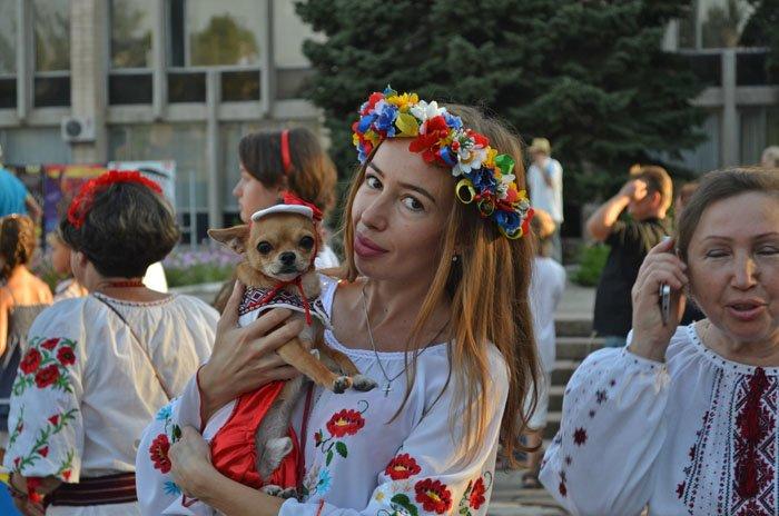 Николаевцы отметили День Независимости в вышиванках и с флагами (ФОТОРЕПОРТАЖ), фото-22