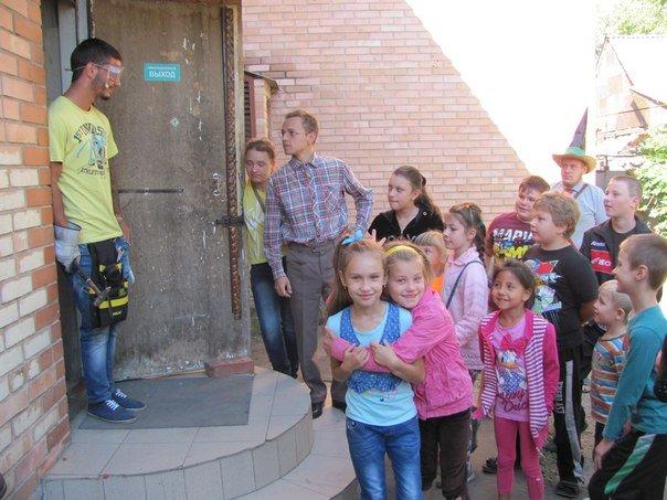 Выходные дни авдеевская детвора провела с Незнайкой и его друзьями (ФОТО) (фото) - фото 2