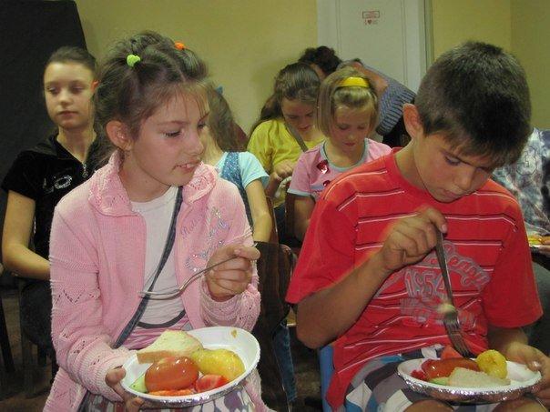 Выходные дни авдеевская детвора провела с Незнайкой и его друзьями (ФОТО), фото-9