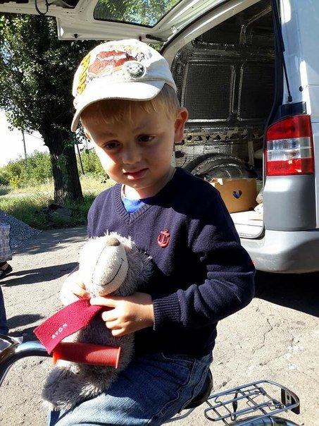 Мягкие игрушки и сладости для маленьких авдеевцев (ФОТО), фото-4