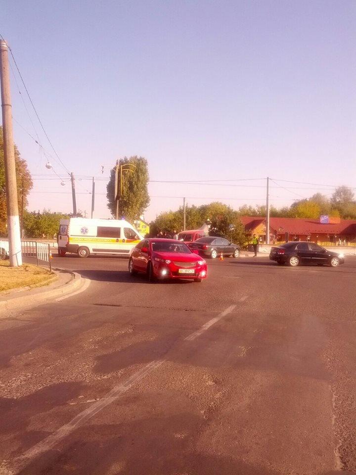 У Львові на Городоцькій сталось масштабна аварія (ФОТО) (фото) - фото 5