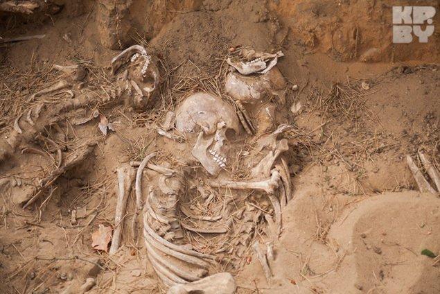 В Гродно идет раскопка одного из крупнейших захоронений периода Второй мировой войны (фото) - фото 2