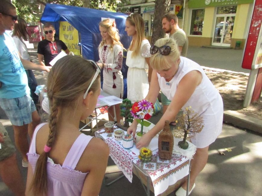 На ярмарке в Николаеве собрали деньги на «передовую» бойцам (ФОТО), фото-1
