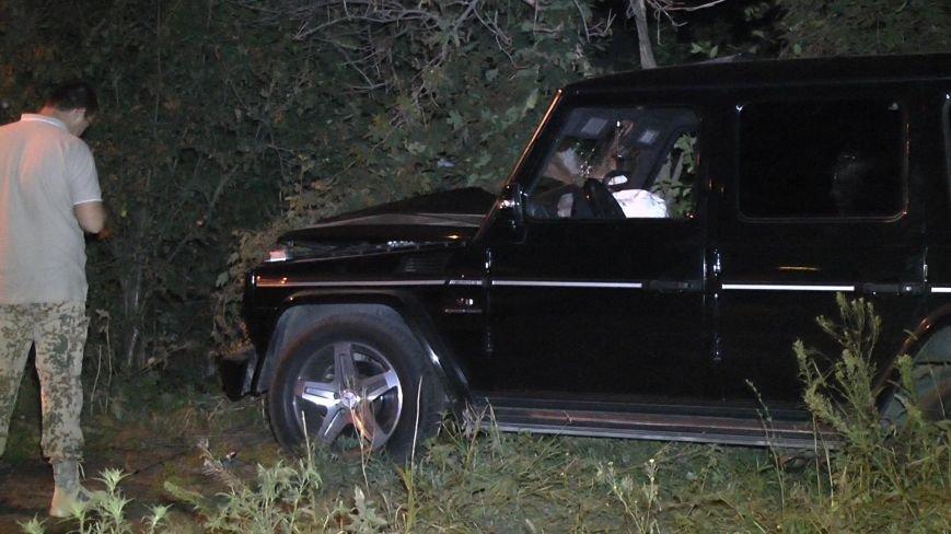 ДТП в Днепропетровске: Мерседес сбил 4-х пешеходов, одна женщина погибла (ФОТО) (фото) - фото 1