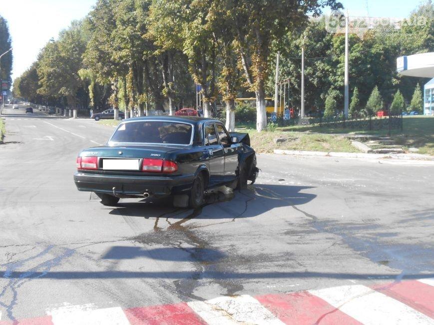 В Днепродзержинске на пересечении проспектов Аношкина и Ленина произошло ДТП (фото) - фото 1