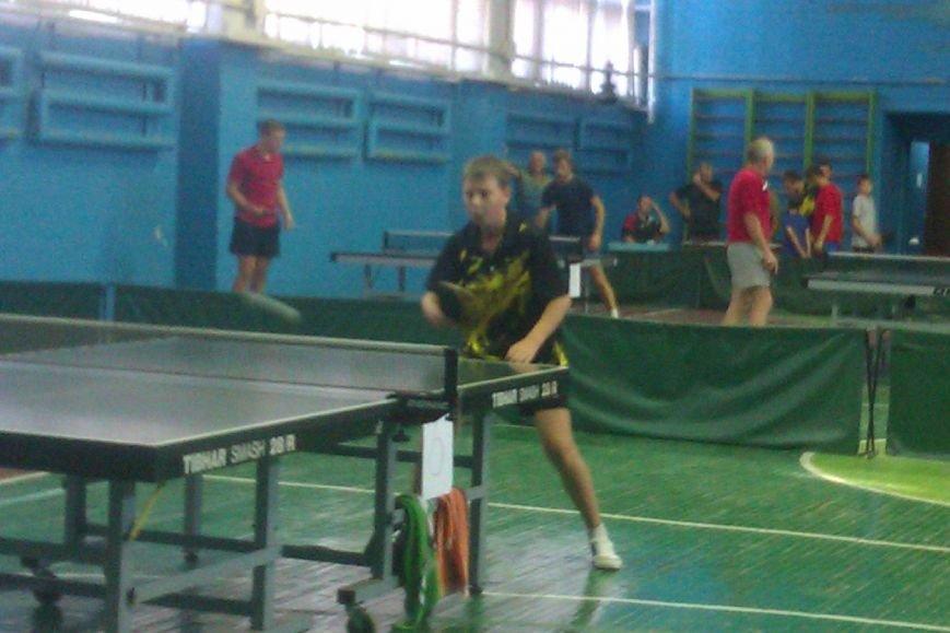 Воспитанники ДЮСШ Красноармейска отметили День независимости Украины игрой в теннис (фото) - фото 5