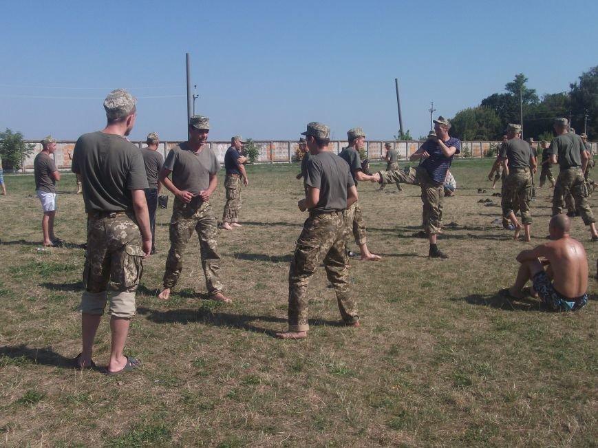 В унікальному всеукраїнському проекті з підготовки мобілізованих військовослужбовців працюють тренери з Кіровоградщини. ФОТО (фото) - фото 1